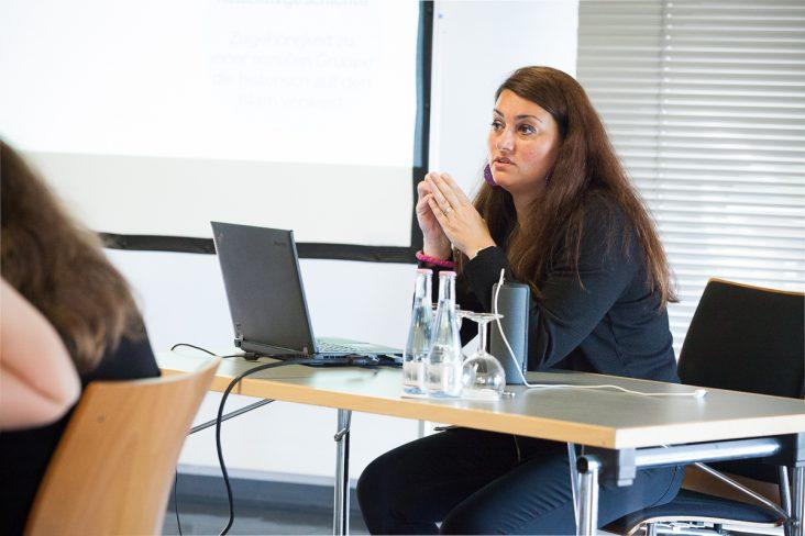 Interview mit Lamya Kaddor: Sind Jugendliche anfälliger für Radikalität oder offener für Diversität?