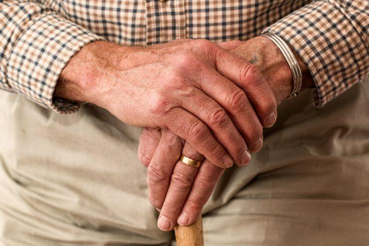 Islam und Pflege – Wieso Pfleger*innen oft an relgiösen Bedürfnissen scheitern